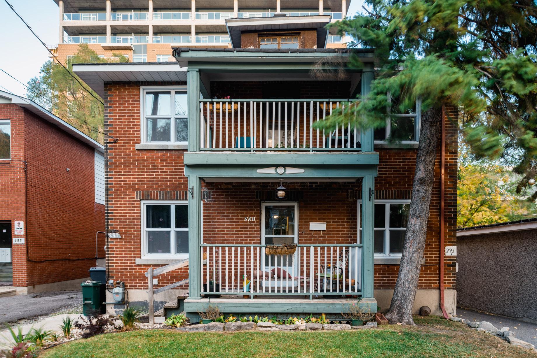 289-293 Loretta Avenue South