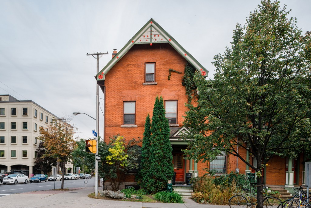 472 Gilmour Street