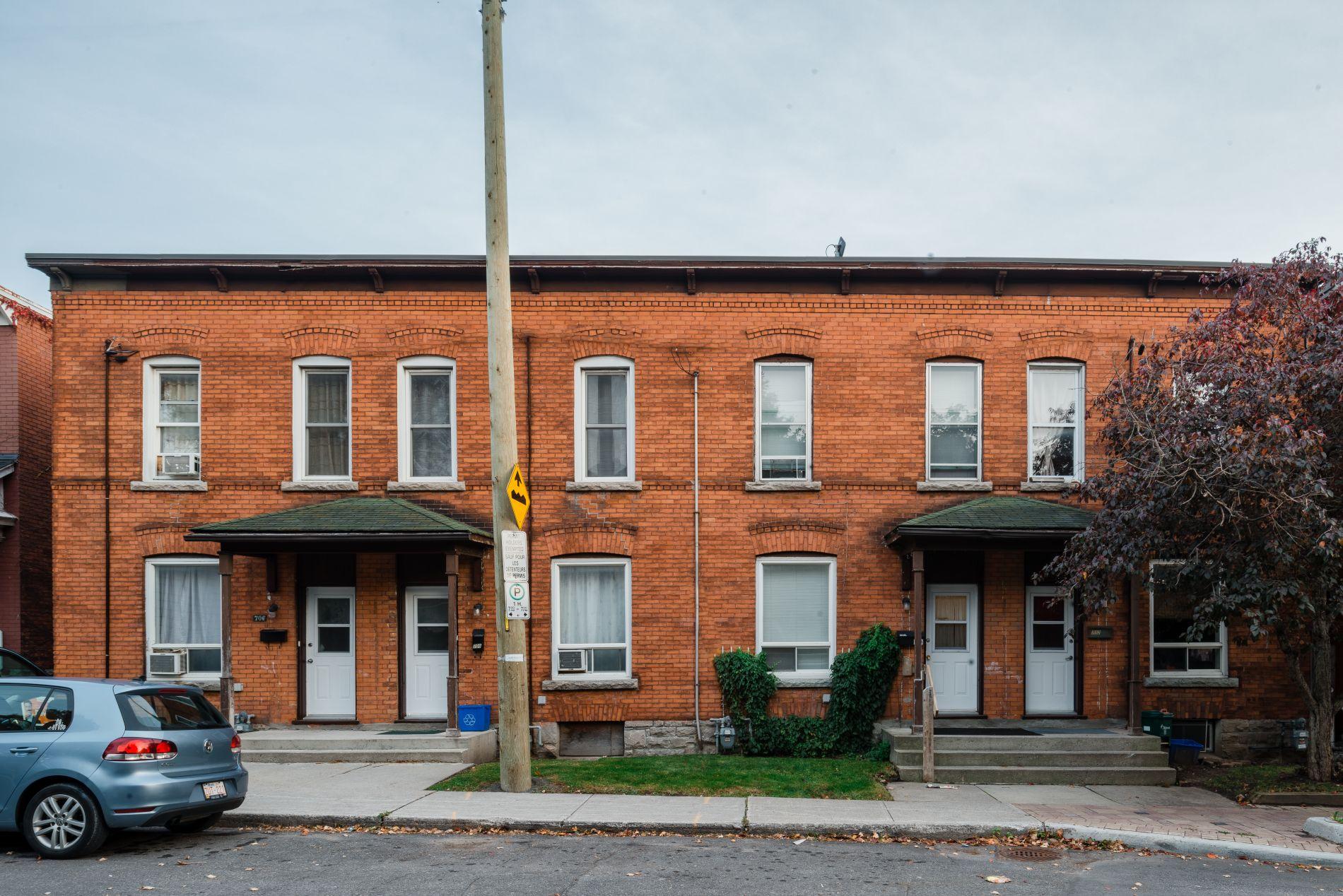 706-712 Gilmour Street